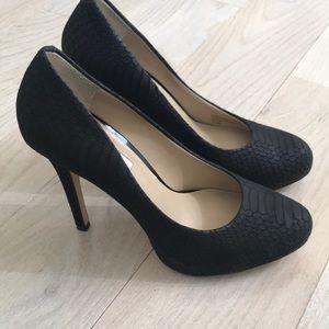INC high classic heels in Black
